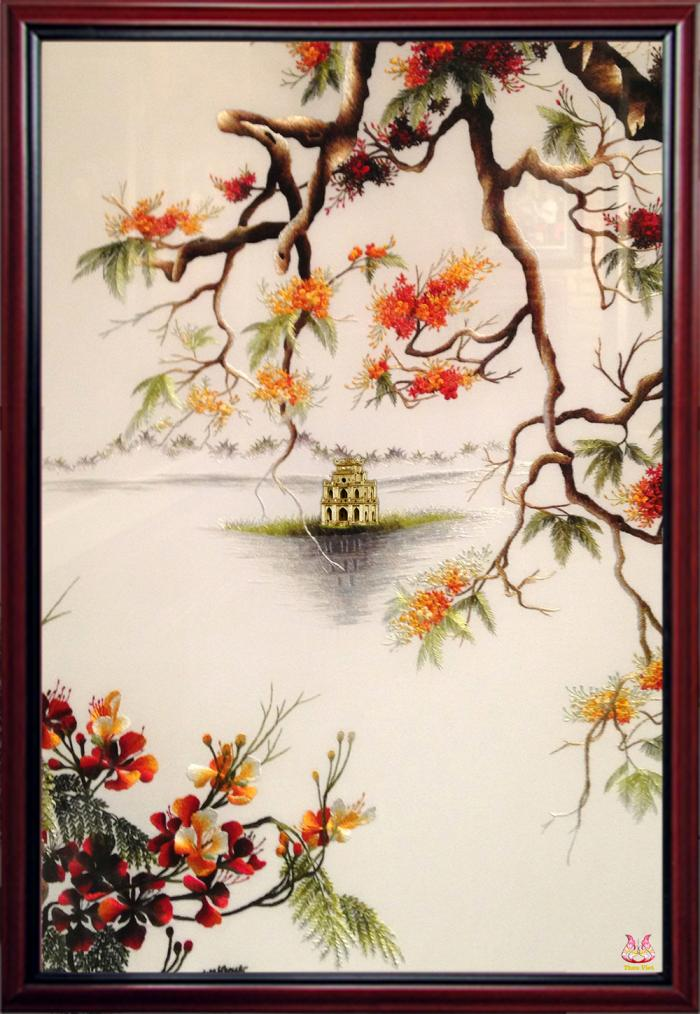 """The hand embroidered picture """"The Sword Lake"""" seems to take the entire Hanoi autumn into your house 1"""
