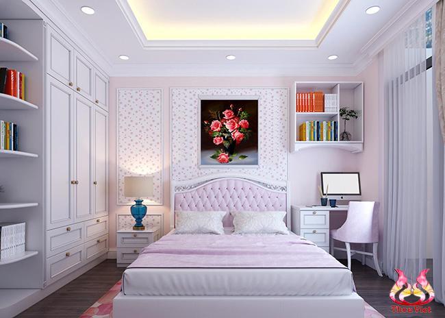 tranh thêu hoa hồng tại phòng ngủ