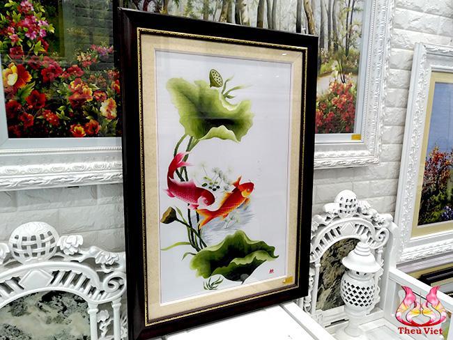 tranh thêu hoa sen cá chép
