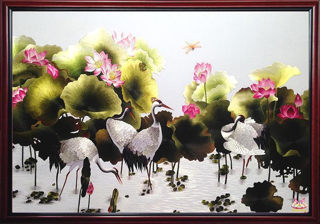tranh thêu hoa sen chim hạc