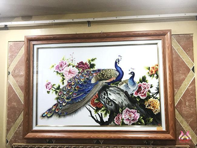 tranh thêu tay chim công