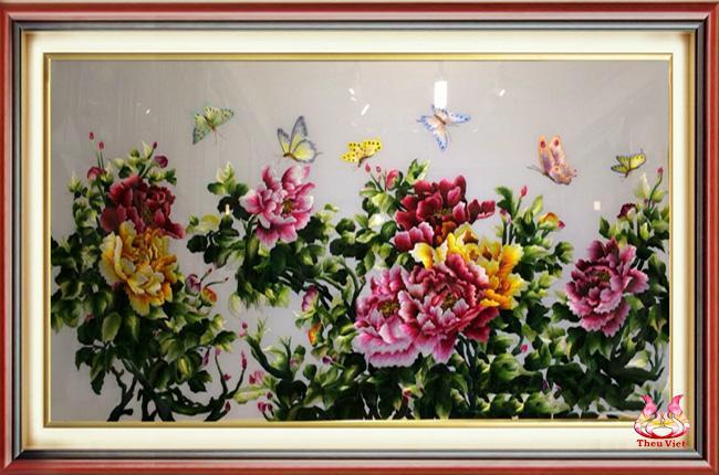 Tranh hoa mẫu đơn - Tranh thêu hợp tuổi Tuất