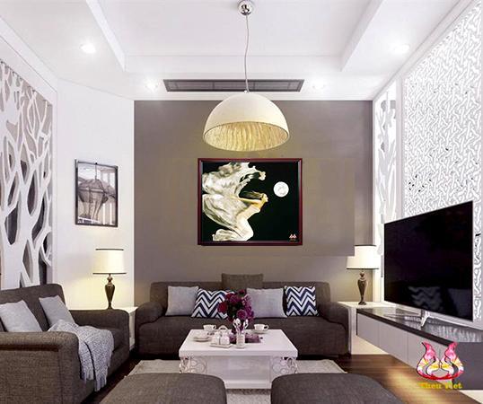 tranh thêu tay mộng dưới trăng tại phòng khách