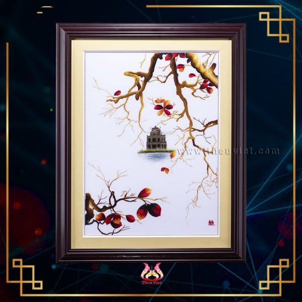 chi tiết tranh thêu tay hồ gươm cây bàng MHG0003