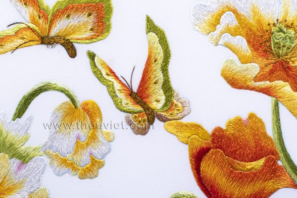 chi tiết tranh thêu tay hoa colico MHOA0057