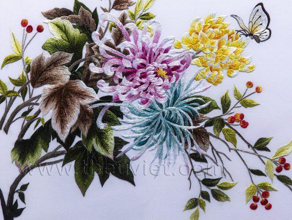 chi tiết tranh thêu tay hoa cúc MHOA0160