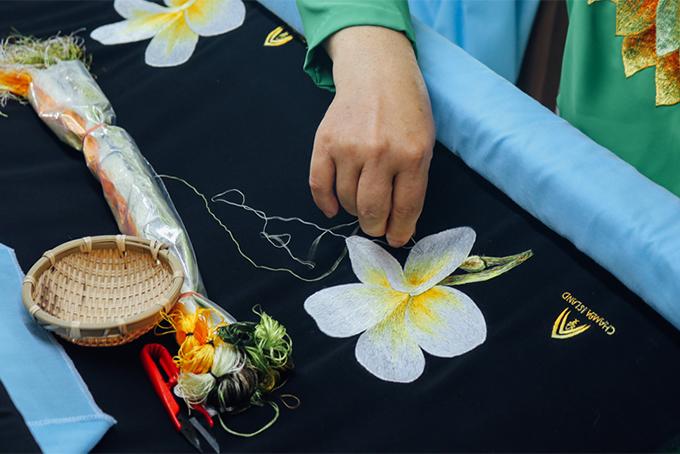 7 phương pháp thêu đơn giản khi thêu tranh thêu tay truyền thống 11