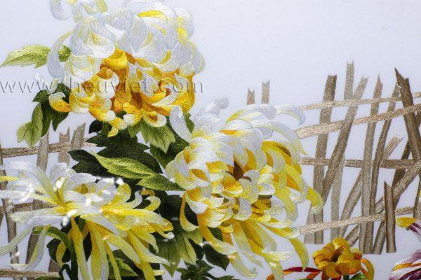 chi tiết tranh thêu hoa cúc MHOA0165