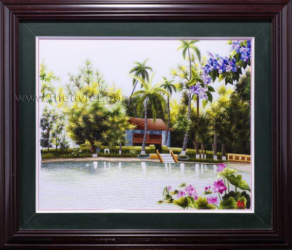 tranh thêu tay phong cảnh nhà sàn bác hồ